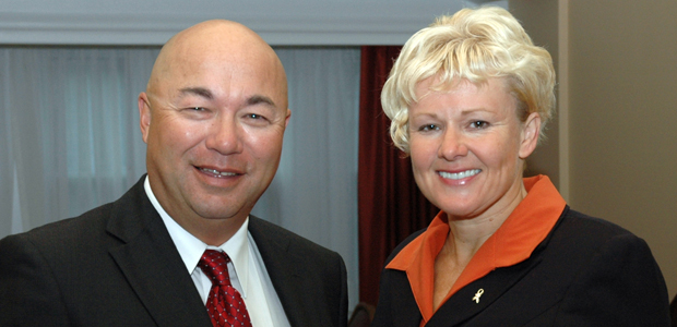 Cheryl Gallant, MP welcomes Bob Izumi to the Parliamentary Outdoors Caucus